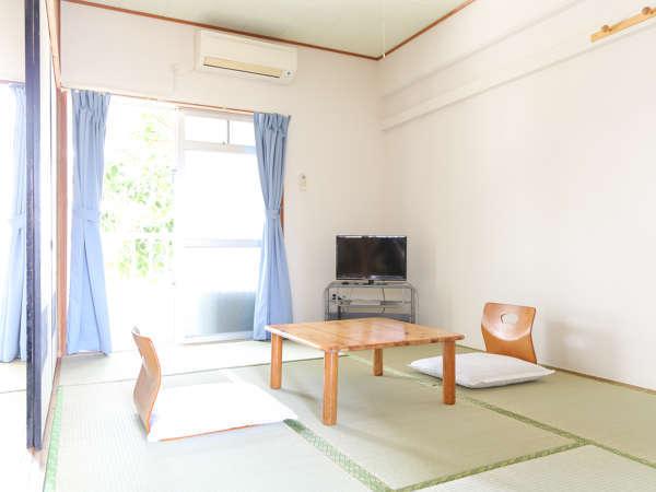 お部屋は和室6畳×2部屋とキッチン