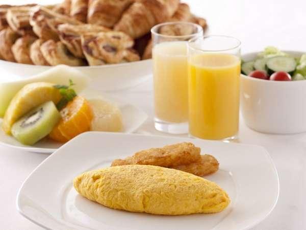 【朝食】朝食ブッフェのあつあつふわふわオムレツ