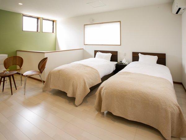 【西の棟2F】竹田城跡が見える明るいお部屋でお目覚め