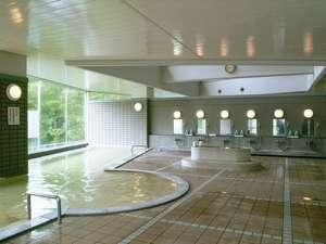 男性大浴場、洗い場は10か所です。