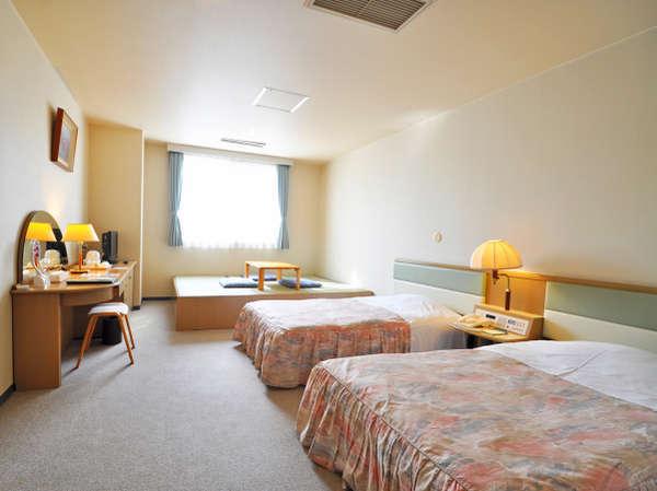 【客室】小上がり3畳付ツインルーム(源氏の宿)