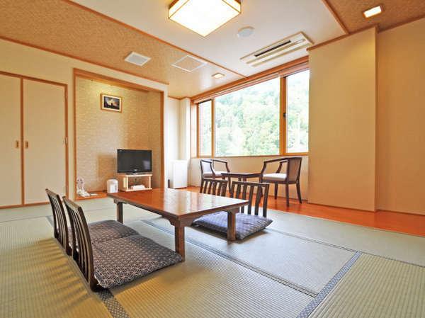 【客室】和室10畳(平家の宿)