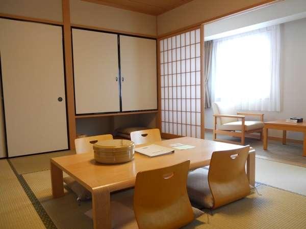 和室和蔵の宿ならではの落ち着いたお部屋で大人数でわいわい。ご予約は、お電話にて承ります。