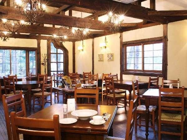 ドッグカフェ「Cafe アリス」※冬季クローズ