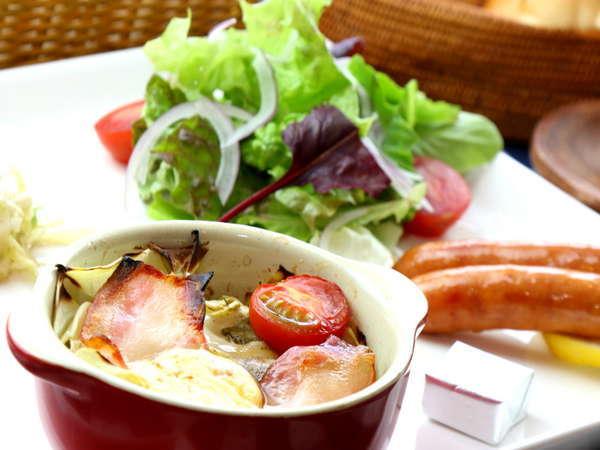 高原野菜を使った朝食の一例