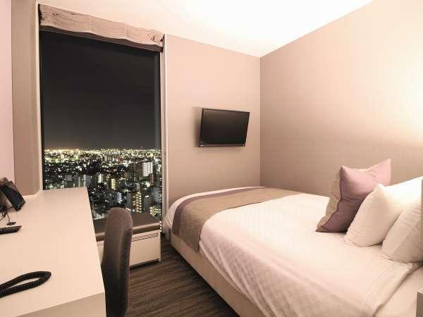 スーペリアダブルルーム16㎡ ダブルベッド(140㎝)×1台 20階~23階