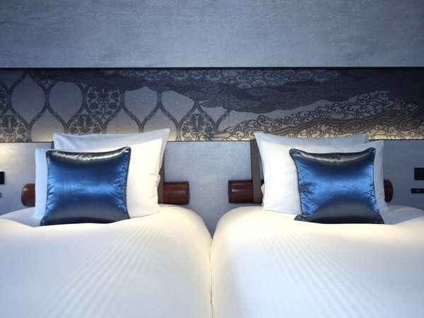包み込まれるような寝心地のマットレス、トッパーを使用しています。