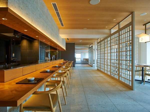 眺望と食の両方を楽しめる13階レストラン「炉L'EAU」