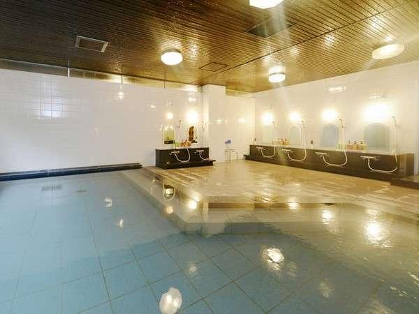 広々とした大浴場で湯ったりと♪ 名湯・湯免温泉でお肌ぷるるん♪