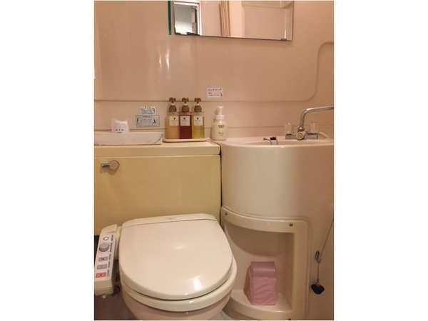 お部屋の洗面所です。コンパクトにまとめてます。