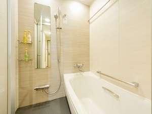 バスルーム(ツインルームにはマイクロバブルトルネード設置)