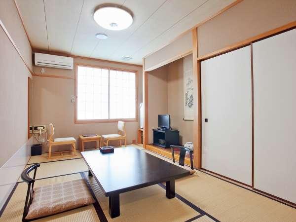 海側 和室(一例)落ち着いた雰囲気の客室。太平洋がご覧頂けます。