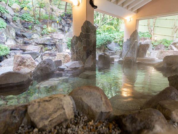 【瑞穂の湯】岩風呂・檜風呂は男女日替わり制。
