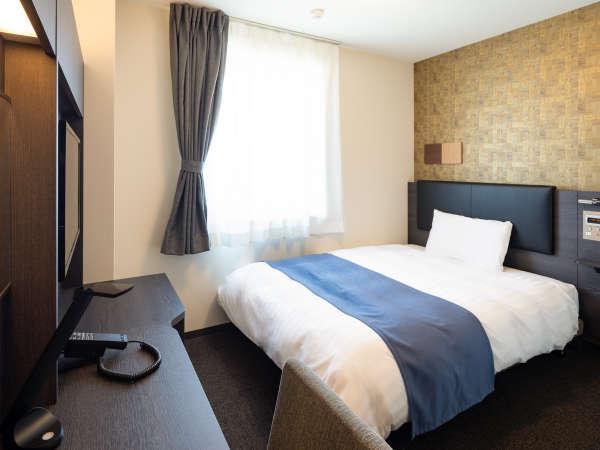 ◆ダブルスタンダード◆広さ15平米◆ベッド幅140センチ