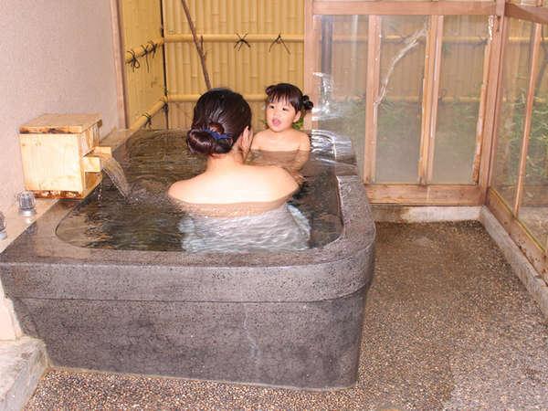 (半露天付)気兼ねせず家族でゆっく利温泉を楽しめます。