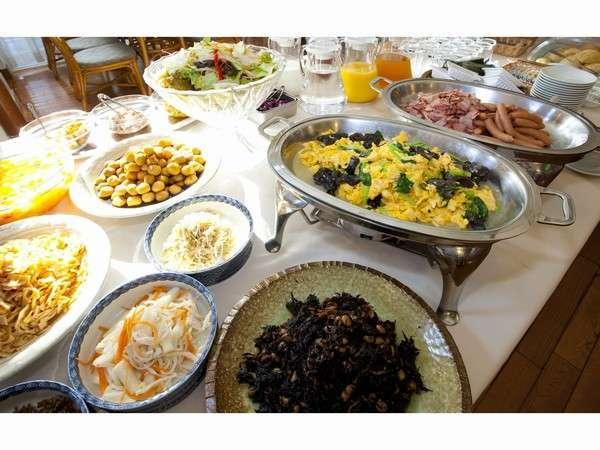 レストラン「龍」での朝食バイキング