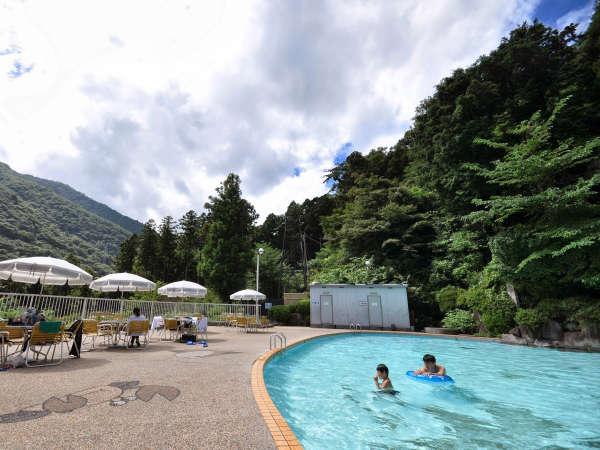 【プール】夏季のみ営業 8/31迄全長23m・最深135cmです。(水着はご持参ください)