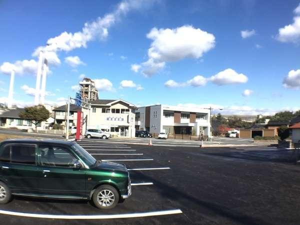 【平面青空無料駐車場】予約不要で無料!一室一台分完備。全長9mまでOKです◎