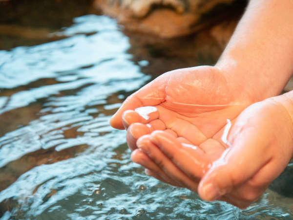 *【大浴場】源泉41℃だから叶う加水なしの掛流し!PH7.7弱アルカリ性で程よくお肌ツルツル♪