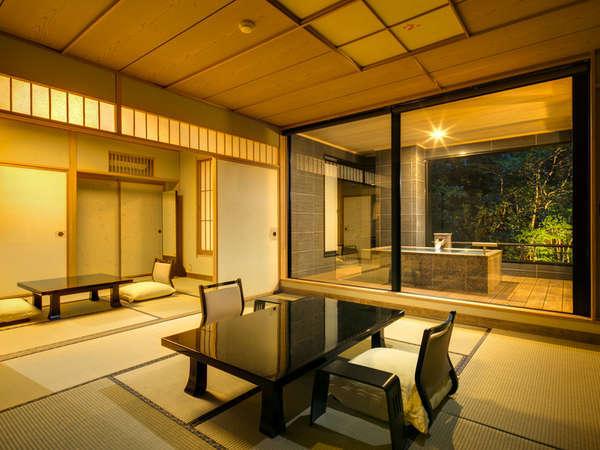【露天風呂付特別室】2間続きの広めのお部屋です。大人数でもゆったりと過ごせます