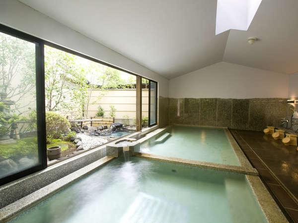 男性 加納の湯殿 露天風呂付大浴場(岩の湯)