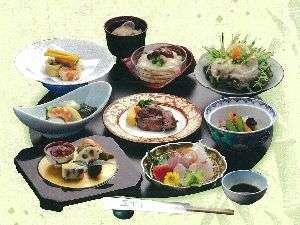 芝井川会席【◆前菜◆お造り◆季節の煮物◆焼魚◆ステーキ◆天婦羅◆酢物◆御飯・味噌汁◆デザート◆飲物】
