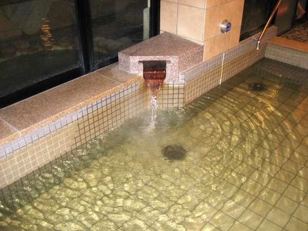 源泉からの湯量はとても豊富!