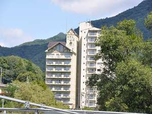 利根川も、上牧駅もすぐそばの便利な宿。ホテルニュー上牧を拠点に、みなかみの旅をお楽しみください。