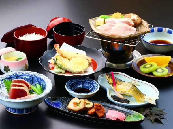 旬の地元食材を使った夕食一例です。