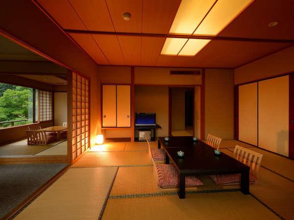 客室「花かんむり二間(禁煙) 」※お部屋が2つあり、窓からの景色もよく、お寛ぎいただけます.