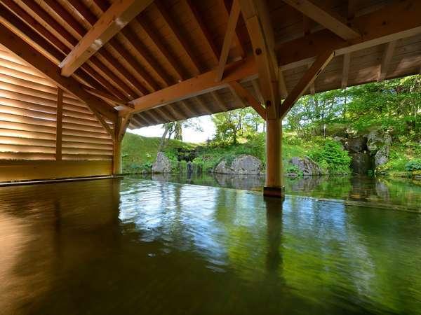 【雫石高倉温泉(夏)】屋根付温泉露天風呂