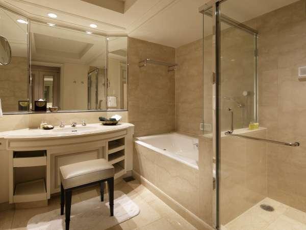 改装されたプライムルームのバスルーム