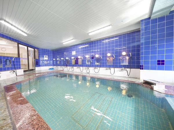 露天風呂に隣接した展望風呂、40名入浴可能AM9:00~12:00 清掃 夜中も入浴可能。