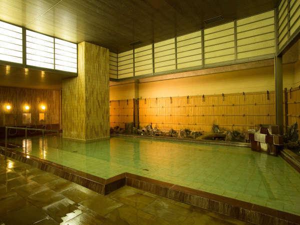 当ホテルで最も広い大浴場でございます。ごゆっくりとお寛ぎくださいませ。