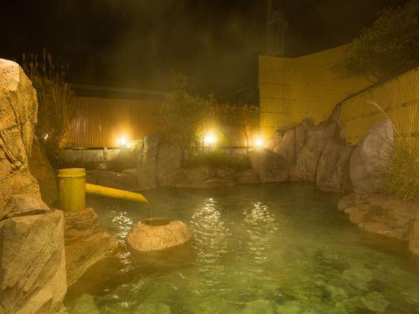 露天風呂・家康の湯でございます。徳川家康が愛したお湯から命名されました。