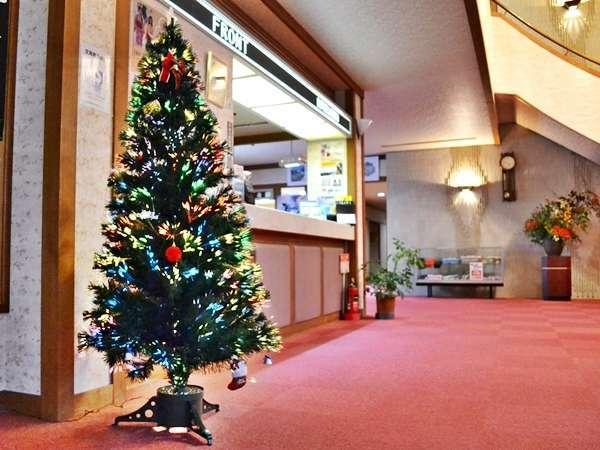 クリスマスツリーロビーのフロント横