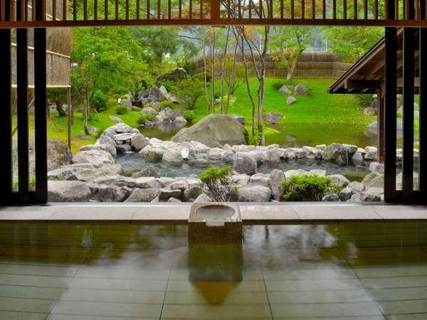■蛍あかりの湯■美しい日本庭園を望む