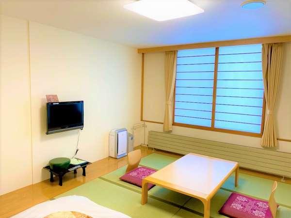 【和室(10畳間)】居心地のいい和室です。思い出に残るステキな時間をお過ごし下さい。