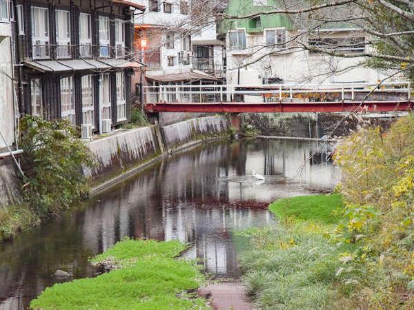 *周辺 【俵山温泉街】 未だ街には、昭和の香り残っています。