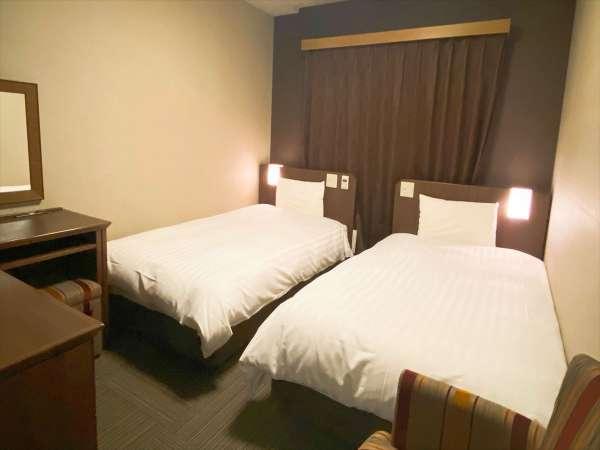 ◆ツインルーム 18㎡ サータ製ベッド(1250×1950 2台)