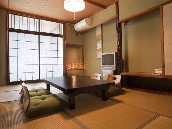 和室一例◇畳のお部屋でごゆっくりおくつろぎ下さい。