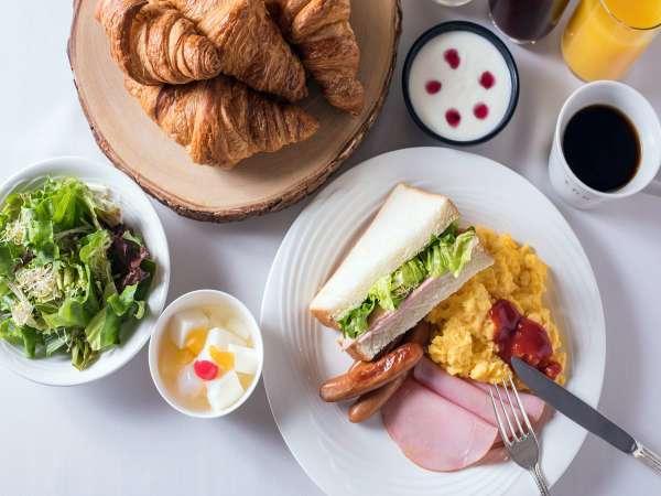 <朝食イメージ>バラエティ豊かな和洋の朝食ブッフェ。お好みのスタイルでどうぞ!