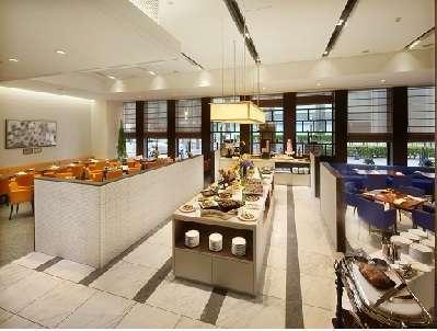 朝食は1階「ウィンザー」にて営業時間 7:00~10:00