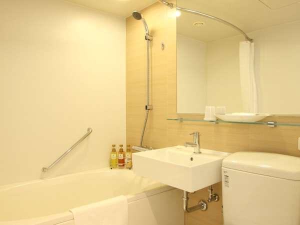 ◇バスルーム(ユニットタイプ)◇コンパクトで機能的なバスルーム。