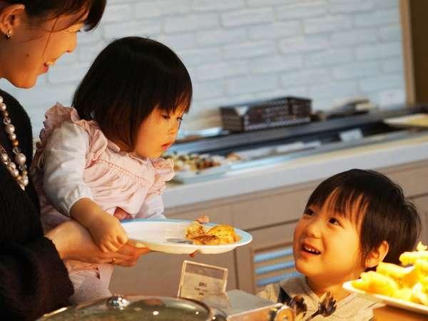 ◇家族で朝食◇みんなが笑顔になれる!一日の始まりはおいしい朝ごはんから♪※写真はイメージです。