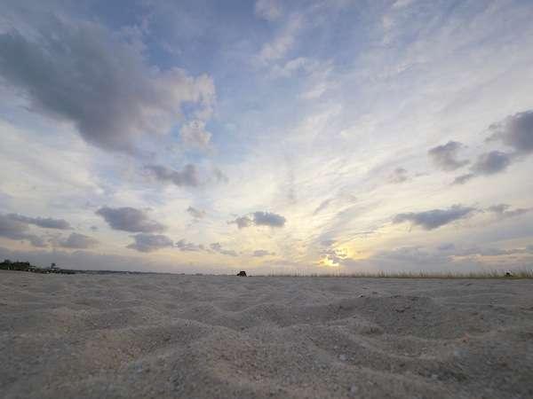 【車で3分です】宜野湾トロピカルビーチから望む夕焼け