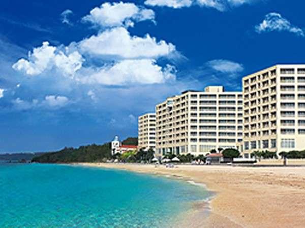 オンザビーチの「リザンシーパークホテル谷茶ベイ」 ホテルの前には東シナ海の天然ビーチ♪