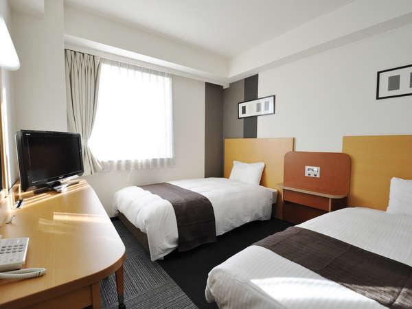 ツインエコノミー■寝具はデュベスタイル♪120cm幅ベッド×2台