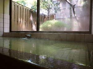 【お風呂】源泉タップリのかけ流し温泉