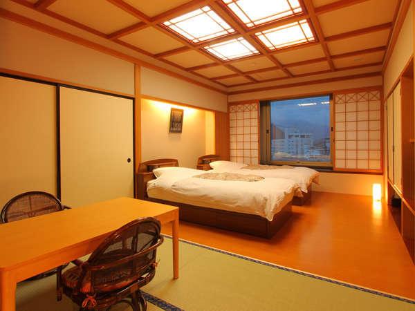 ツインベッドが入った和洋室。 ご夫婦・カップルでのご利用に、 大変好評なお部屋です。